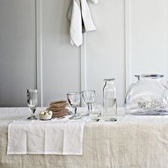Final reductions - enjoy up to off during The White Sale. Explore The White Company's Summer collections of stylish clothing, luxurious home pieces and quality white bed linen. Beautiful Kitchens, Beautiful Interiors, Cool Kitchens, Tablecloth, Table Place Settings, The White Company, Rustic Feel, White Walls, Tuscany