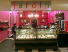 Jardin (The Falls at West Mall, Trinidad)  The best cakes