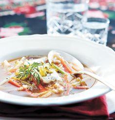 Rassolnik-keitto pietarilaisittain (kasvisruoka)