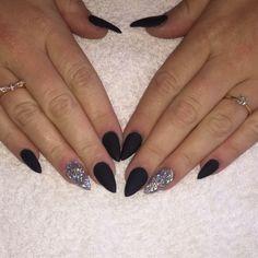 Black stiletto #black #matte #glitter #winter #christmas #stiletto #pointy #glam #sparkle #nsi