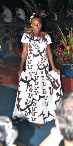 Maxi Dresses, Fashion Dresses, Short Sleeve Dresses, Women's Fashion, Polynesian Dresses, Different Dress Styles, Island Wear, Classic Dresses, Polynesian Designs