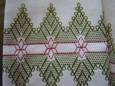 Swedish Weaving also known as Huck Weaving by FuzzyDuckCreations Swedish Embroidery, Towel Embroidery, Ribbon Embroidery, Cross Stitch Embroidery, Embroidery Patterns, Weaving Designs, Weaving Projects, Bordado Tipo Chicken Scratch, Huck Towels