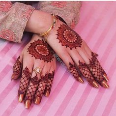 Mehndi design is one of the most authentic arts for girls. The ladies who want to decorate their hands with the best mehndi designs. Finger Henna Designs, Henna Art Designs, Mehndi Designs For Girls, Mehndi Designs 2018, Modern Mehndi Designs, Mehndi Designs For Fingers, Wedding Mehndi Designs, Mehandi Designs, Circle Mehndi Designs