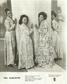 The Raelettes, publicity photo (1971) for their solo tour in Japan (started Feb. 12, 1971 in Tokyo). F.l.t.r. Vernita Moss, Susaye Greene, Mable John, Unidentified Singer.