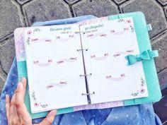 Продолжаю любоваться.)))😀 внутри планнера поселился нежный дневник счастливой невесты 😍 Дизайн и разработка страничек - мои, потому что, во-первых, готовых красивых для такого дневника никто не сделал, а во-вторых, невеста удивительная, и планы у нее тоже удивительные, поэтому и понадобился особенный дневник.❤ Сфотографировалась с любимым разворотом - планы на последние 10 дней перед свадьбой.😍 — посмотрите в Instagram фото и видео Polina Muravlik (@muravlika)