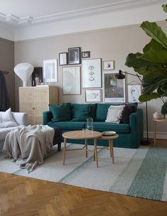 My Scandinavian Home's IKEA Karlstad sofa style makeover - Bemz Simple Living Room Decor, Ikea Living Room, Living Room Green, Ikea Karlstad Sofa, Ikea Sofas, Living Room Ideas Australia, Ikea Childrens Bedroom, Sofa Styling, Scandinavian Home