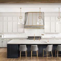 Gold Kitchen, Kitchen Redo, Home Decor Kitchen, Kitchen Interior, New Kitchen, Black Kitchen Island, Awesome Kitchen, Black Kitchens, Home Kitchens