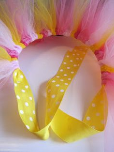 MBC: How to make a tutu make matching when Elsie can walk! Crafts For Kids, Arts And Crafts, Diy Crafts, Tulle Crafts, Tutu Diy, Fun Projects, Sewing Projects, How To Make Tutu, Tutus For Girls