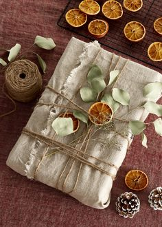 Eco-Friendly Wrapping Options for Going Green This Holiday Wrapping Gift, Gift Wraping, Creative Gift Wrapping, Christmas Gift Wrapping, Xmas Gifts, Eco Christmas Presents, Wrapping Ideas, Christmas Mood, Christmas Crafts