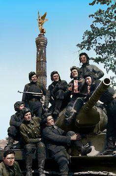 Berlin Soviet Tank Crew