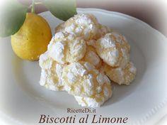 la ricetta dei biscotti al limone. Freschi e profumati, hanno una consistenza che quasi si scioglie in bocca. Semplicissimi da fare ...