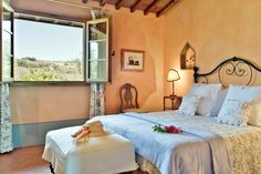 Les Petites Maisons, luxury holiday rentals in Tuscany, near Florence and Siena