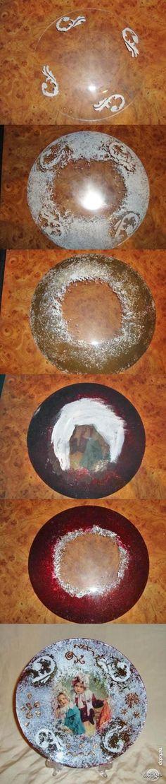 Декупаж - Сайт любителей декупажа - DCPG.RU | Новогодняя винтажная тарелочка  Click on photo to see more! Нажмите на фото чтобы увидеть больше!  decoupage art craft handmade home decor DIY do it yourself tutorial plate Materials and techniques: stencil paint napkin etc.