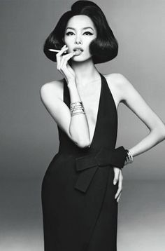 Fei Fei Sun for Vogue Italia Jan. 2013, first Asian model to grace Vogue's cover