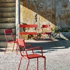 #design3000 Summer – stapelbarer Gartenstuhl aus Metall