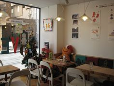 Mr. Friendly Cafe @ Tokyo. Which Mr. Friendly will always be there to cheer you up.