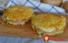 Zemiakové placky len zo zemiakov? Tento recept som vyskúšala v Portugalsku a sú skutočne výborné. Kedže je cesto úplne jednoduché (obsahuje len zemiaky a soľ) náplň sa doslova pýta. Mne najviac chutili so šunkou a syrom! :-)