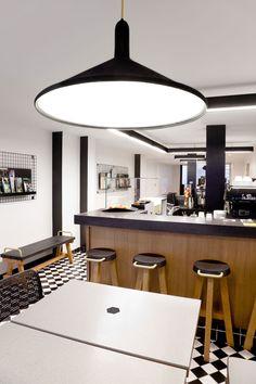Le studio Pool s'est vu confié la réalisation de l'identité visuelle, l'architecture intérieure et la plupart du mobilier de Craft, un nouveau concept de café implanté à Paris.
