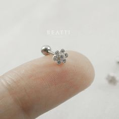 Tragus Piercing Jewelry, Nose Ring Jewelry, Tragus Stud, Cartilage Earrings, Ear Piercings, Nose Rings, Cute Jewelry, Modern Jewelry, Jewlery