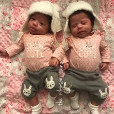 Newborn Black Babies, Twin Baby Girls, Black Baby Girls, Cute Black Babies, Beautiful Black Babies, Cute Little Baby, Twin Babies, Pretty Baby, Cute Babies