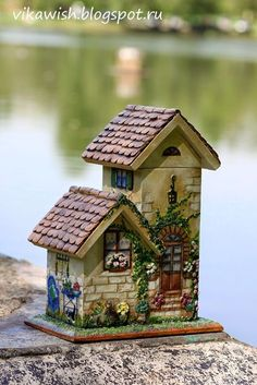 Викино вышивальное счастье: Чайный домик Clay Fairy House, Gnome House, Fairy Houses, Clay Houses, Miniature Houses, Doll House Crafts, Home Crafts, House Painting, Painting On Wood