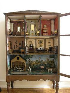 Bonitas casas de muñecas antiguas.