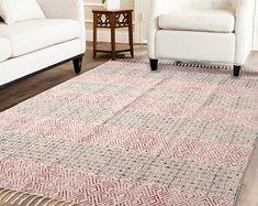 Handmade Rug / Carpet / Vintage Kantha Quilts by IndianWomensCrafts Dhurrie Rugs, Kilim Rugs, Anthropologie Rug, Indian Rugs, Cheap Carpet Runners, Rustic Rugs, Pink Rug, Large Rugs, Throw Rugs