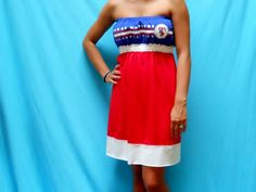 i've decided i'm in desperate need of a texas rangers dress. because it's just too damn hot to be wearing any form of pants at the ballpark in july.