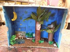 I learned a thing or two as Amanda created this Raccoon Habitat. Turns out, those striped bandits nest in trees. Applied learning is where it's at! Nature Activities, Diy Crafts For Kids, Craft Ideas, Diy Home Decor Projects, School Projects, Diorama, Habitats, Kids Room, Genius Hour