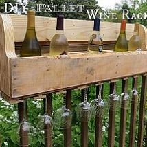 Hometalk :: A pallet destined for the landfill is repurposed to make a wine rack.…