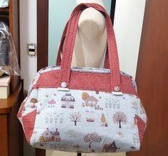 Tutorial, DIY, Passo à Passo Bolsa de Tecido Tamanho Grande. http://www.vivartesanato.com.br/2016/10/tutorial-diy-passo-a-passo-bolsa-de-tecido-tamanho-grande.html
