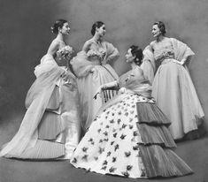 Gordon Parks, Jacques Fath, Foto Fashion, Fashion History, New Fashion, Vintage Fashion, Paris Fashion, 1950s Fashion, Dior Fashion