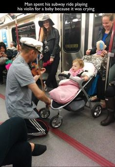 The nicest violinist you're bound to meet: | 27 Pictures That Prove The World Isn't As Bad As It Seems More at: http://livinglearningandloving.com/things-we-like-and-love/