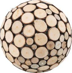 Diese größere Dekokugel lässt sich wunderbar mit ihren beiden Artgenossen kombinieren. Als Tischdekoration oder in einem schönen Geschenk platziert, gibt sie eine herbstliche Stimmung ab und macht so überall eine gute Figur.  Ø ca. 20 cm