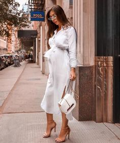 """✨ xoxo — use my uber code """"daijaha1"""" to get $15 off your first ride ✨ Stylish Maternity, Maternity Wear, Maternity Fashion, Maternity Dresses, Stylish Pregnancy, Moda Chic, Pregnancy Outfits, Pregnancy Style, Pregnancy Fashion"""