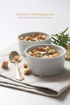 Maronen-Cremesüppchen mit Knoblauch-Rosmarin-Croutons