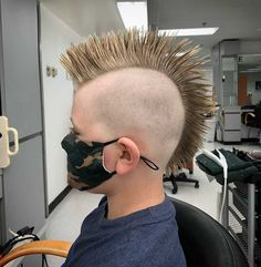 Rattail mullet mohawk hair (@rattail_and_mohawk_hair_people) • Instagram photos and videos V Hair, Hair Art, High And Tight, Mohawks, Mens Hair Trends, Mohawk Hairstyles, Bald Fade, Bowl Cut, Comb Over