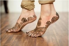 Dancing foot with #Mehendi !
