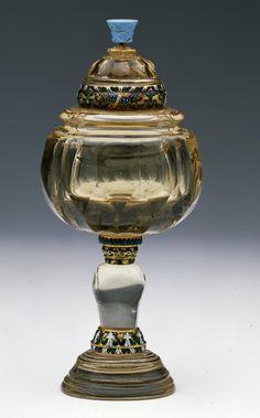 Taller de los Miseroni Copa con una turquesa en el remate, Primer tercio del siglo XVII de Cuarzo citrino; Cristal de roca cuarzo hialino; Oro; Turquesa
