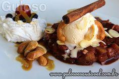 Juntando maçã, canela e sorvete, delicia, né? A Maçã Assada com Sorvete Creme é uma sobremesa fácil e perfeita para quem está de dieta!  #Receita aqui: http://www.gulosoesaudavel.com.br/2015/04/01/maca-assada-sorvete-creme/
