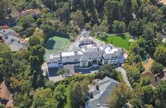 The Liongate Estate located in Bel Air, California is an extraordinary property that simply exudes history. This is due to the architecture it owns and Mansions For Sale, Mansions Homes, Luxury Mansions, Bel Air California, Bel Air Mansion, Lions Gate, Luxury Portfolio, Expensive Houses, Celebrity Houses