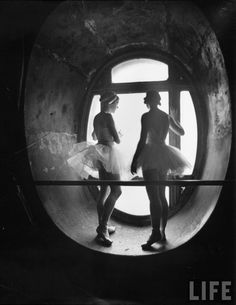 Alfred Eisenstaedt - Grand opera Paris, rehearsals for swan lake. Picture taken for LIFE magazine in 1930