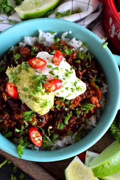 Chorizo and Black Bean Chili Bowls - Lord Byron's Kitchen Chorizo Chili Recipe, Spicy Chili, Chili Recipes, Yummy Recipes, Black Bean Chili, No Bean Chili, Black Beans, Bean And Sausage Soup, Chorizo Sausage