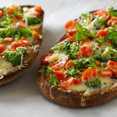French Bread Vegetable Pizza is a super easy dinner recipe! Add some extra flavor to your dinner table by adding all of your favorite fresh vegetables and cheeses to create this quick and simple meal. I Love Food, Good Food, Yummy Food, Vegetarian Recipes, Cooking Recipes, Healthy Recipes, Entree Recipes, Sandwich Recipes, Delicious Recipes