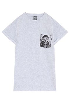 30 Cool Graphic Tees To Throw On For ANY Occasion #refinery29  http://www.refinery29.com/graphic-tees#slide10