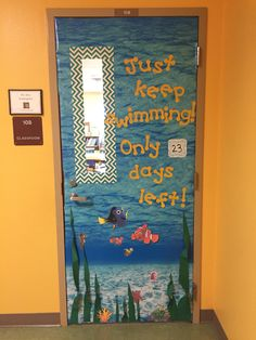 End of the year classroom door decoration – Finding Nemo/Finding Dory. Preschool Bulletin, Kindergarten Classroom, Classroom Decor Themes, Classroom Ideas, Future Classroom, Preschool Door Decorations, Classroom Organization, Disney Classroom, Ocean Themed Classroom