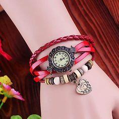 Frauen Weinlese-Herz Anhänger Stil Lederband Quarz Analog Armband Uhr (verschiedene Farben) – EUR € 6.89