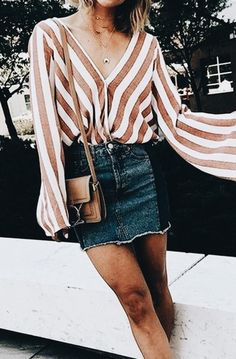 If you're a women wondering what to wear on a casual first date, then these are the best date night outfits to wear that aren't over the top! You can still look sexy without overdoing it! Skirt Outfits, Casual Outfits, Cute Outfits, Beach Outfits, First Date Outfit Casual, Denim Skirt Outfit Summer, Ladies Outfits, Denim Outfit, School Outfits