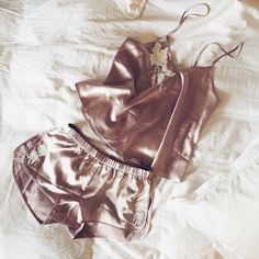 Saturday mornings in the Fleur Satin Sleeper Set ☁️☁️☁️ #forloveandlemons #newarrivals #downtoyourskivvies
