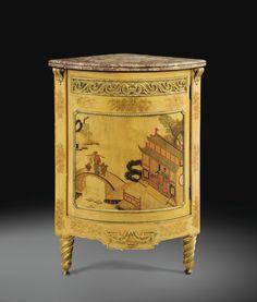 Exceptionnelle paire d'encoignures en vernis parisien à fond camomille et montures de bronze doré d'époque Louis XVI, estampillée RVLC et JME, vers 1780